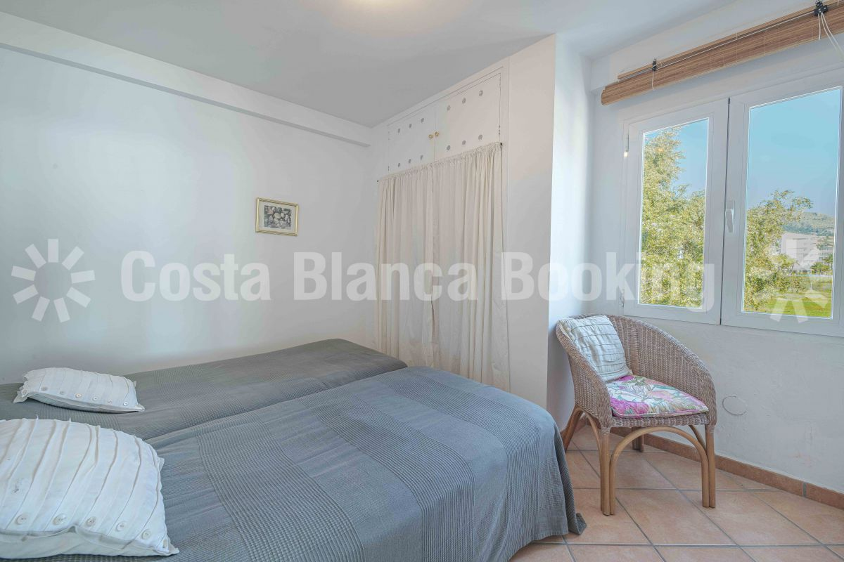FIRST LINE APARTMENT WITH FANTASTIC SEA VIEWS IN ALTEA