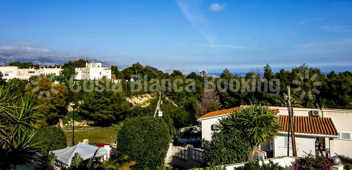 BEAUTIFUL VILLA WITH VIEWS TO THE SEA AND THE MOUNTAINS
