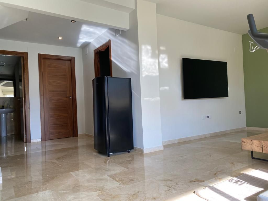 FANTASTIC HOUSE COMPLETELY RENOVATED WITH FIRST CLASS  QUALITIES