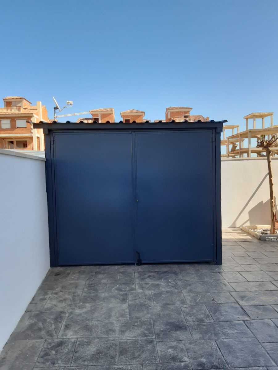 L´Arabi- Modern Villa of first quality materials and very centric