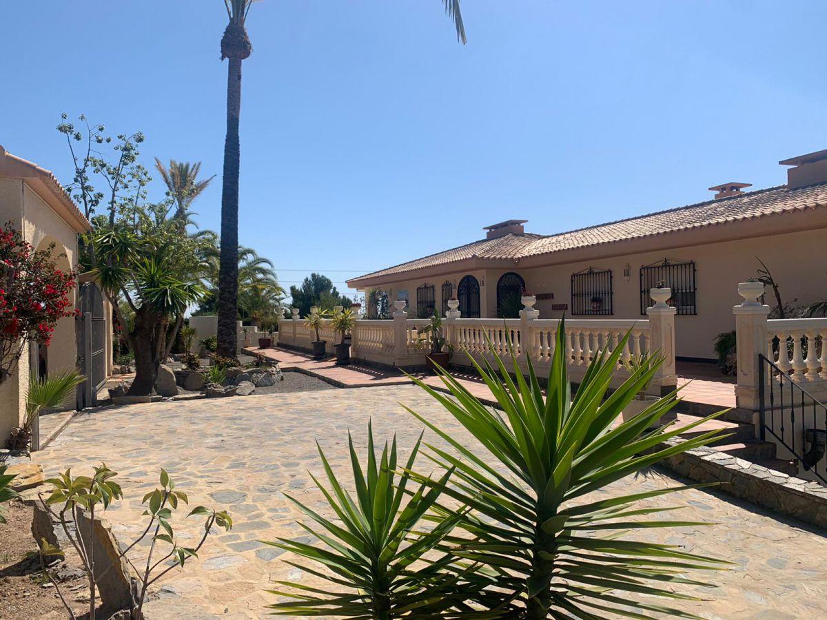 El Planet- Magnificent Villa
