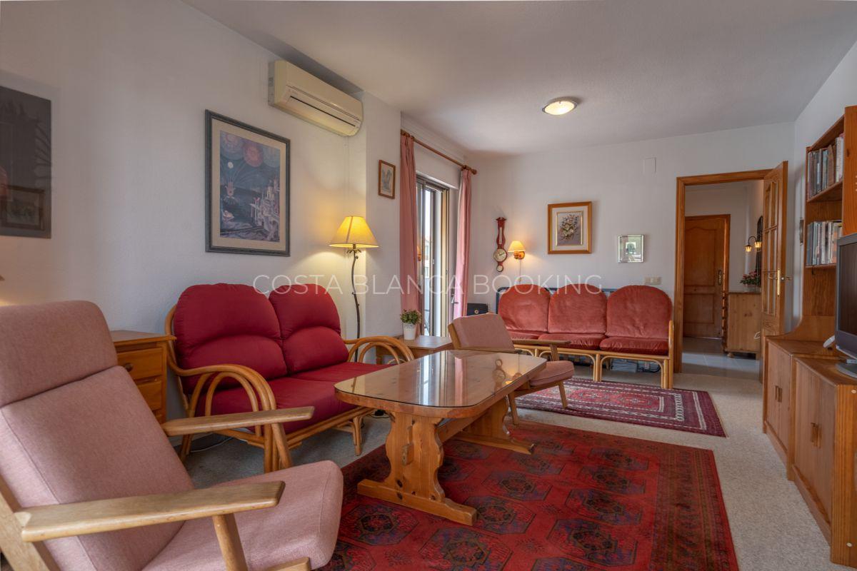 Top-floor corner apartment
