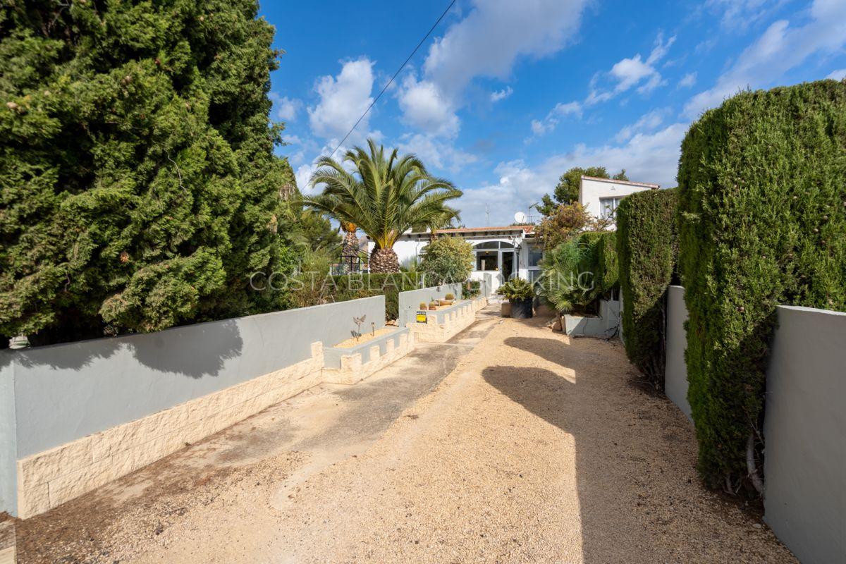 Nice house close to the Sierra Bernia school