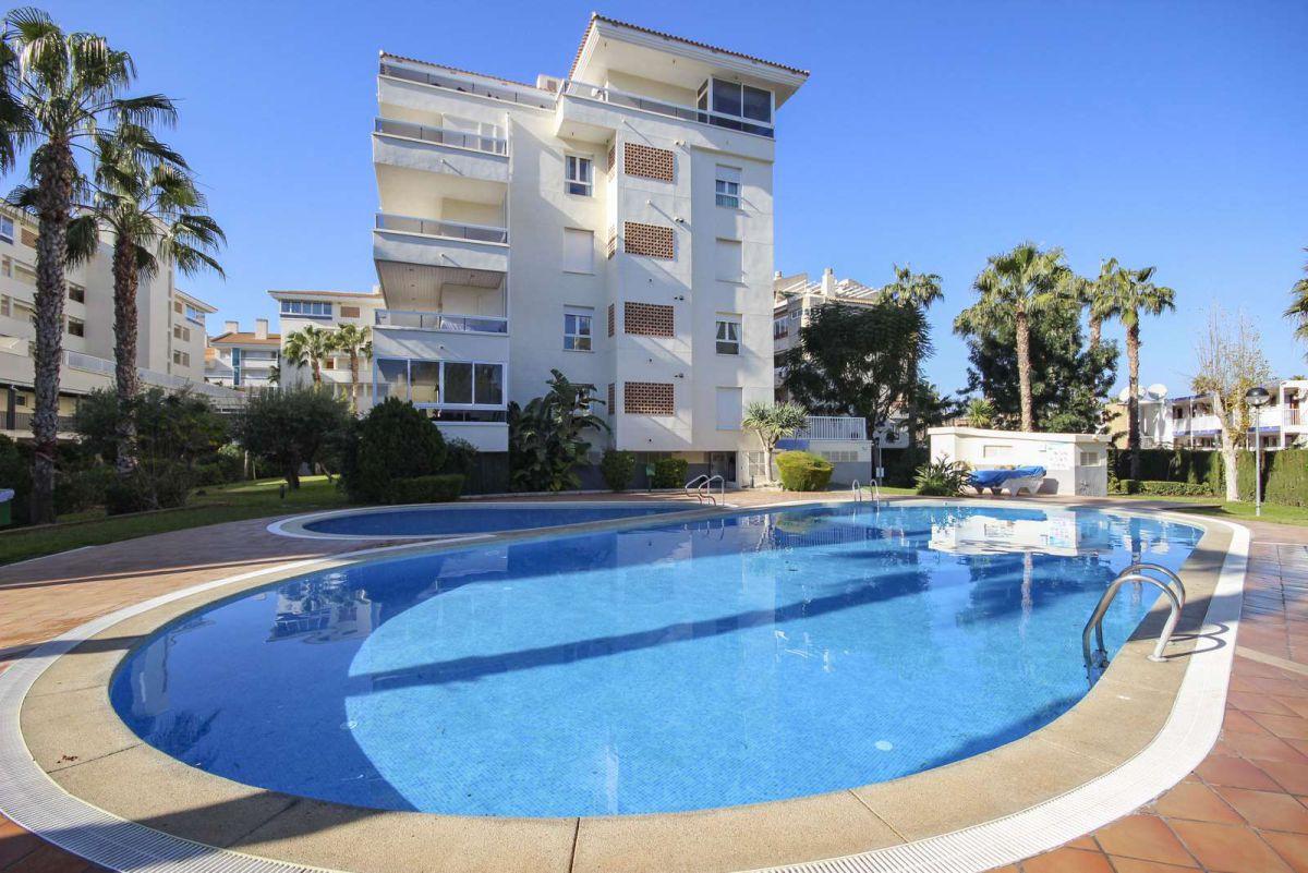 Fin leilighet med stor terrasse