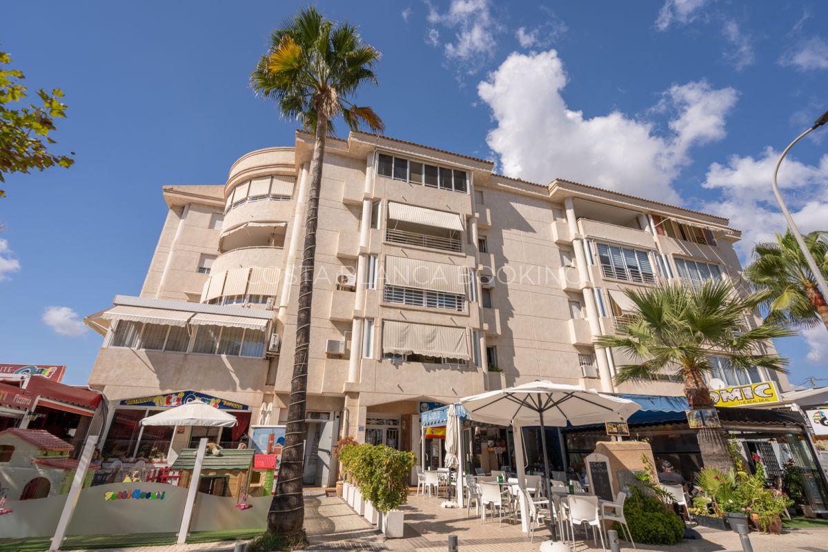 Ruim en zonnig appartement in het centrum van Albir