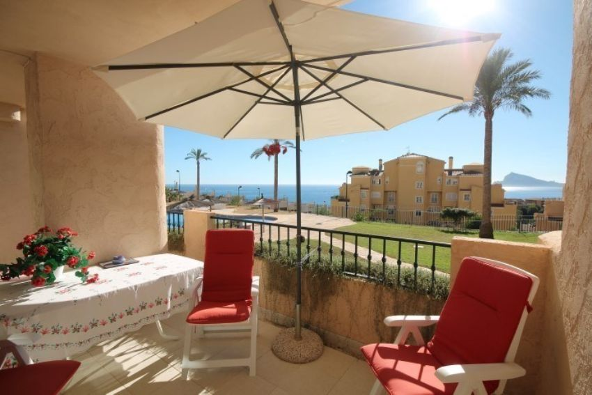 Lovely almost new, groundfloor apartment with SEAVIEWS situated in a quiet area close to the harbour of Altea.
