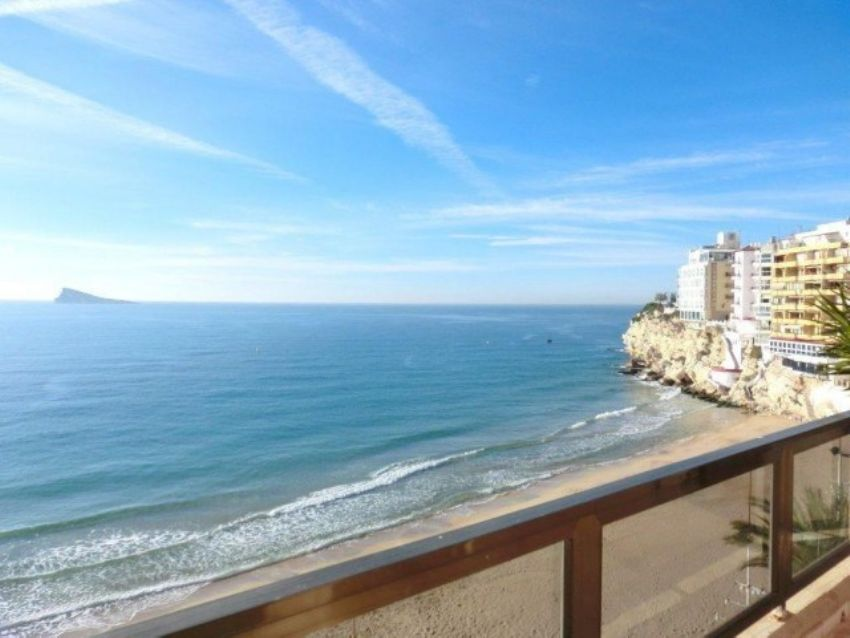 SOUTH-FACING 3 BEDROOM APARTMENT IN ALBIR!