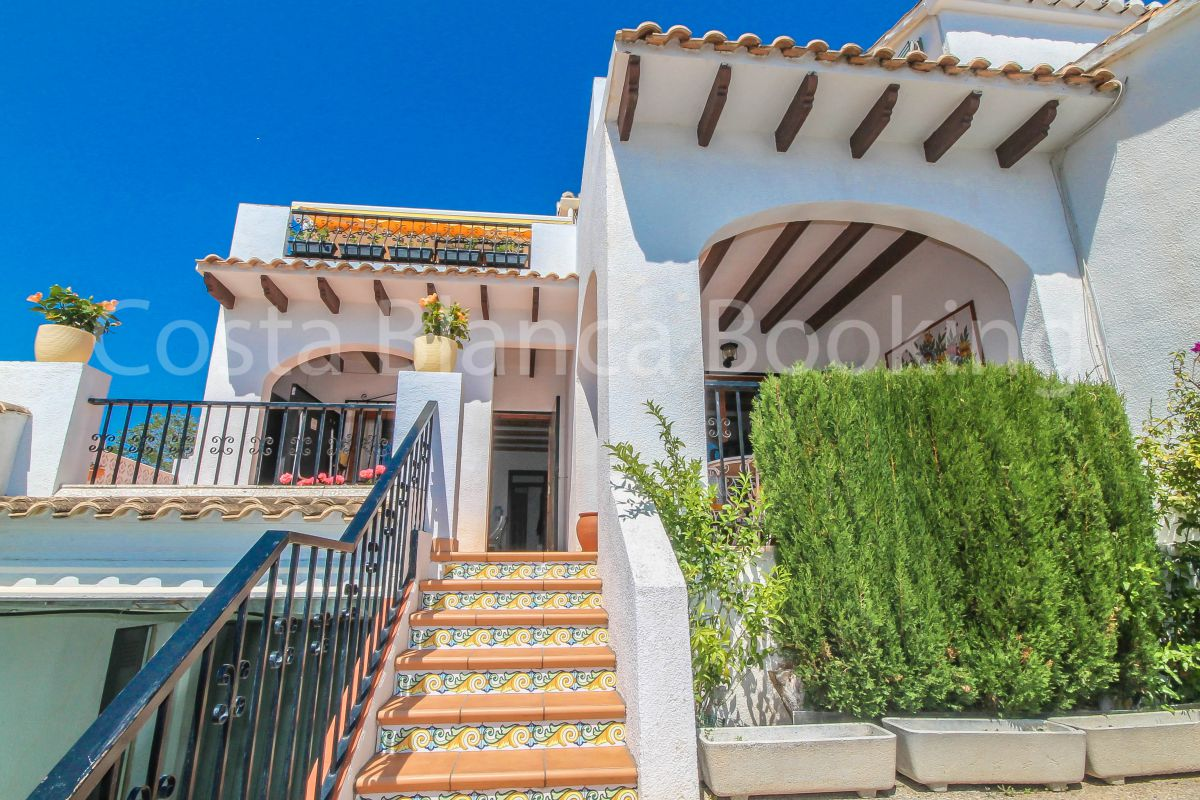 CORNER BUNGALOW CLOSE TO ALBIR