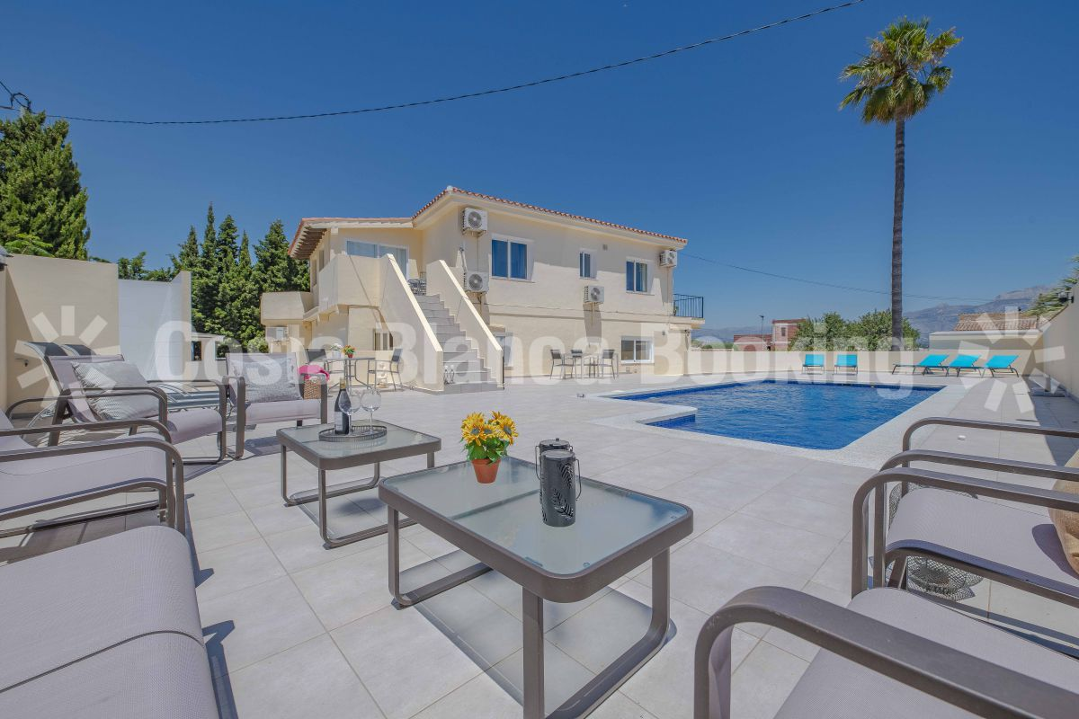 Magnificent home located in one of the most popular areas of Alfaz del Pi , Foya Blanca.