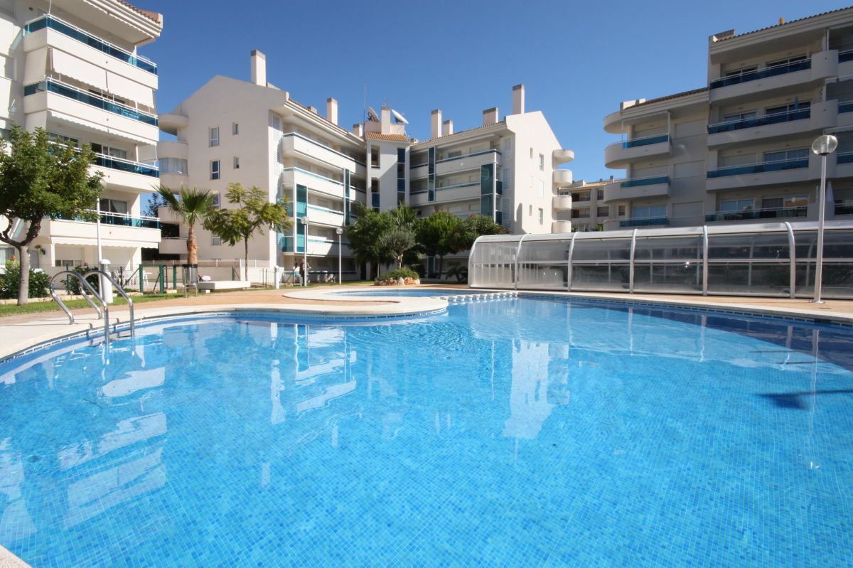 APARTMENT IN POPULAR COMPLEX WITH HEATED POOL