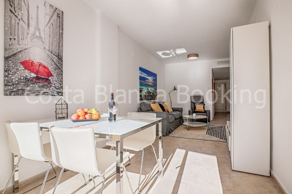 BEAUTIFUL APARTMENT CLOSE TO THE CENTRE OF ALBIR