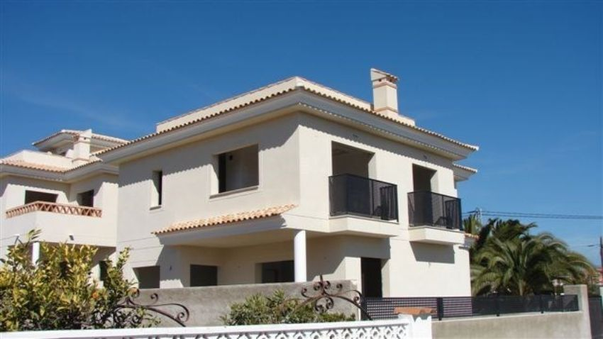 MODERN VILLAS. PRICE 385.000 and 400.000 euros