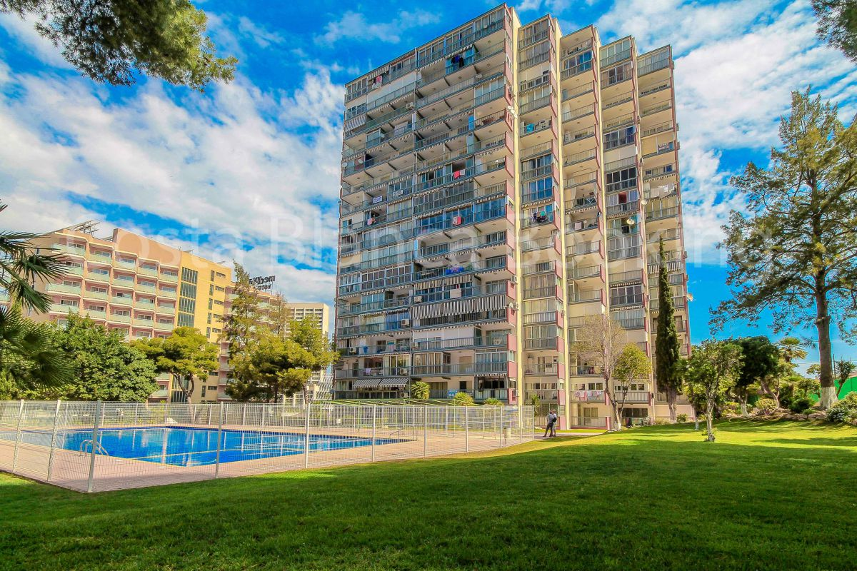NICE APARTMENT VERY CENTRIC IN BENIDORM.