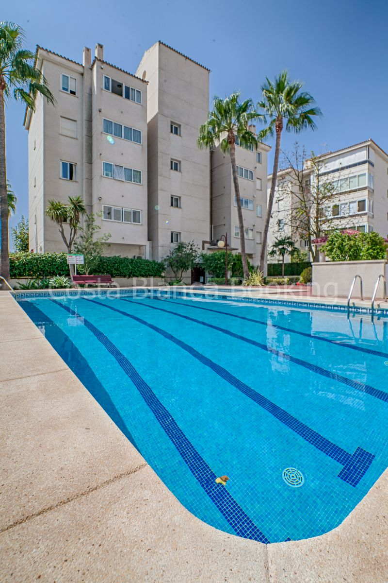 NICE CENTRALIZED APARTMENT WITH BIG POOL