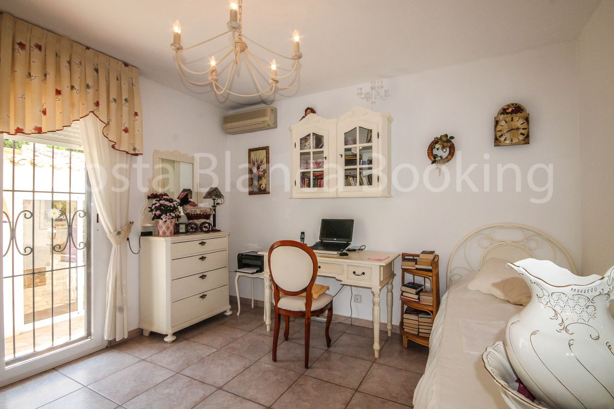 MAGNIFICENT VILLA IN A QUIET AREA IN ALBIR