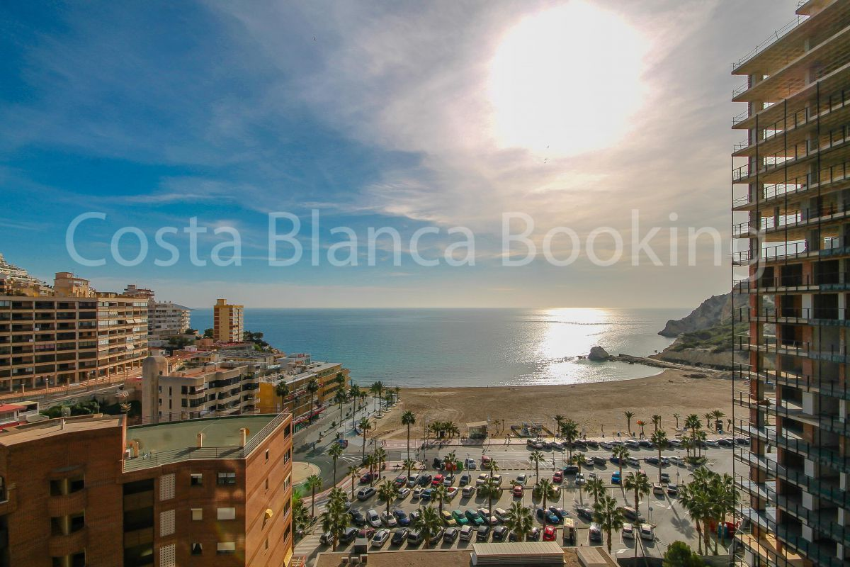 APARTMENT IN CALA DE FINESTRAT WITH FANTASTIC SEA VIEWS.
