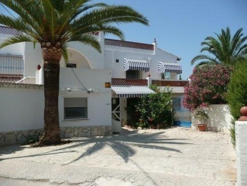 VILLA LOCATED VERY NEAR THE CENTRE OF ALBIR