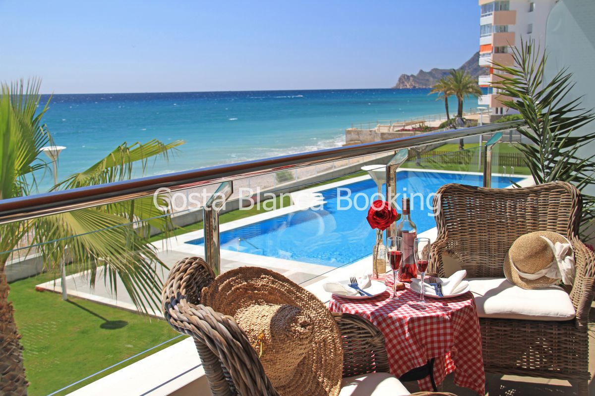 2 LUXURY APARTMENTS IN THE FIRST LINE OF CAP NEGRET, ALTEA