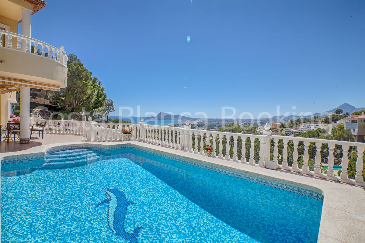 VILLA IN SIERRA ALTEA WITH AWESOME SEA VIEWS