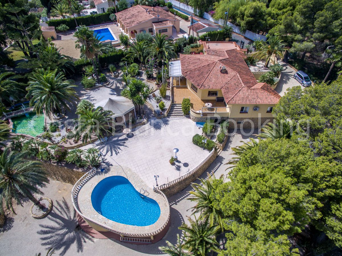 BIG INDEPENDENT VILLA WITH A VERY GOOD LOCATION IN ALFAZ DEL PI