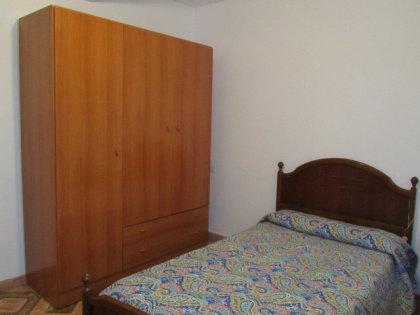 006 habitacion.JPG