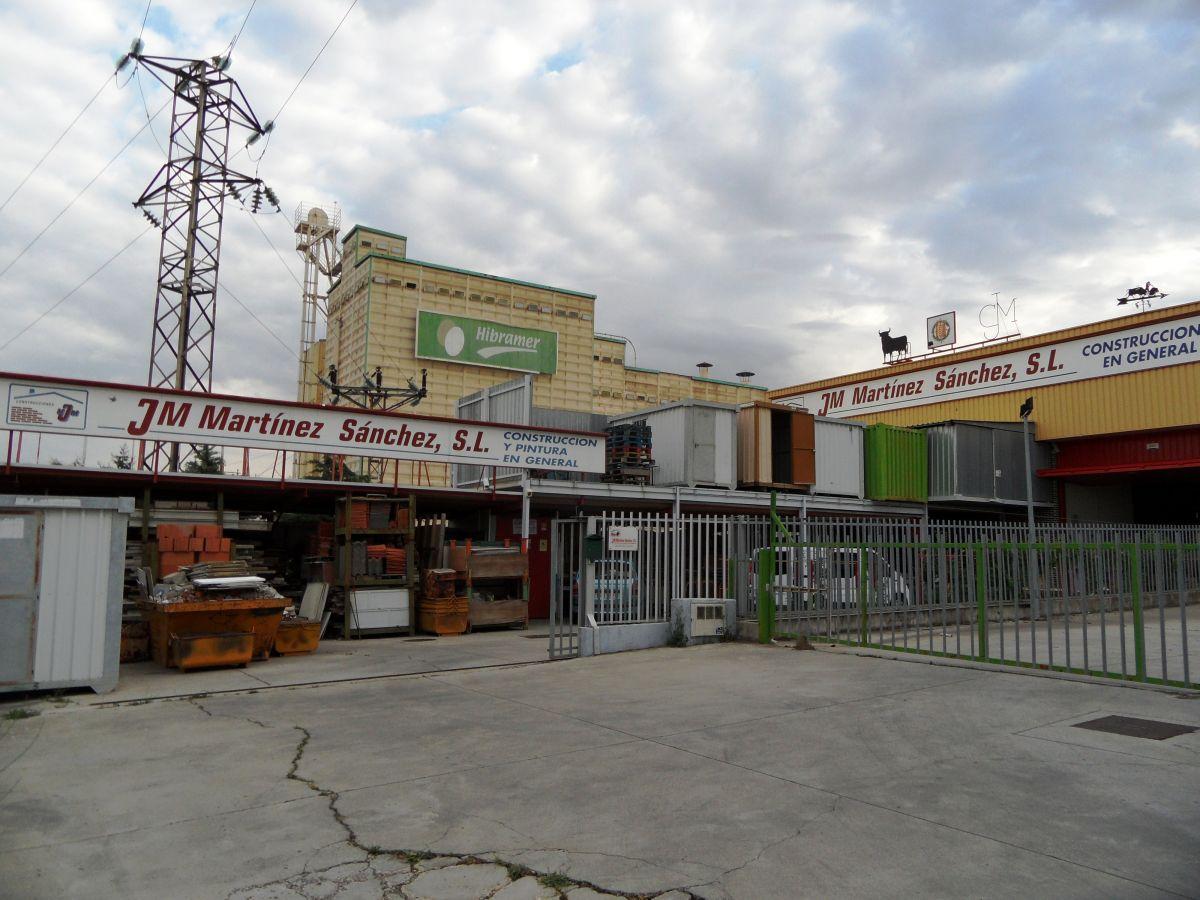 Nave Industrial en venta con 1250 m2, 3 dormitorios  en Las Delicias (