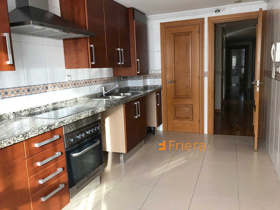 Piso en alquiler larga duración con 110 m2, 3 dormitorios  en Centro (