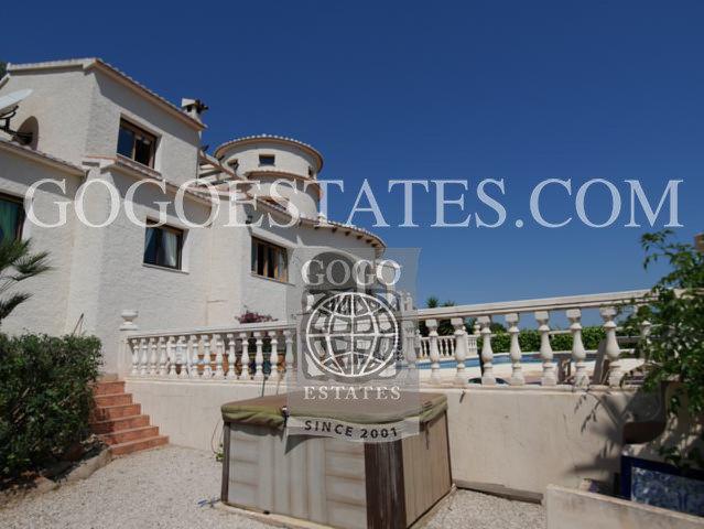 Vrijstaande villa in Denia - Bestaande bouw