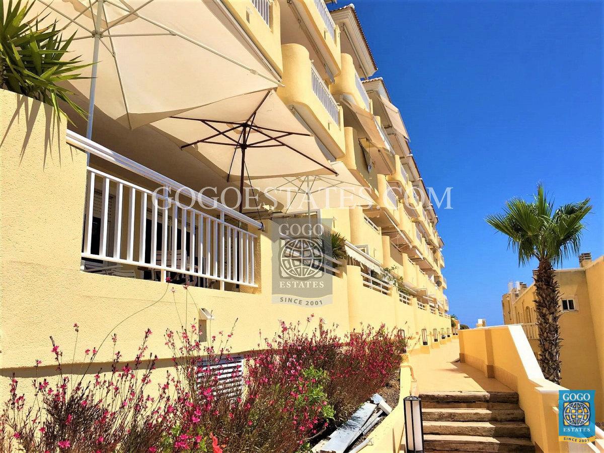 Appartement met uitzicht op zee te huur in Campoamor, Orihuela Costa.