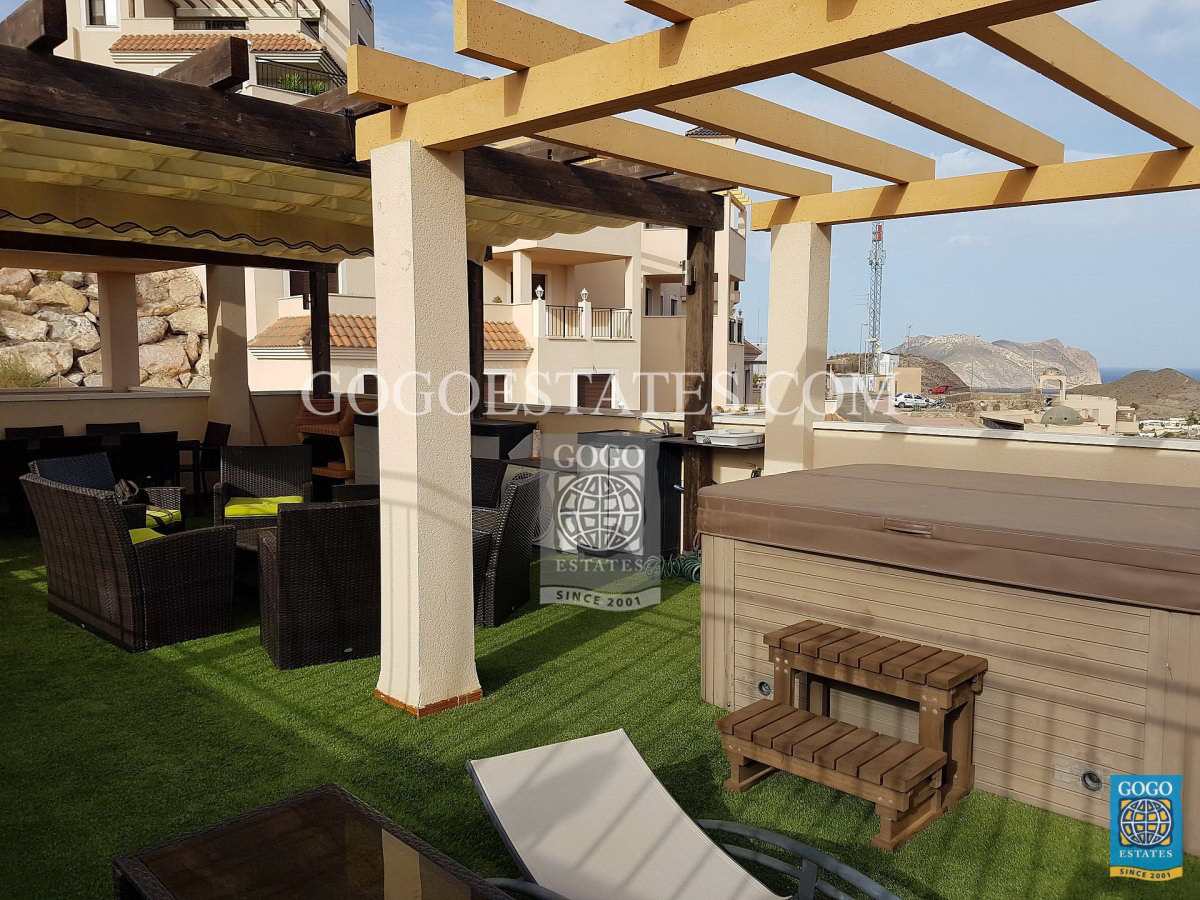Te huur een zolder in de Collados met een prachtig uitzicht