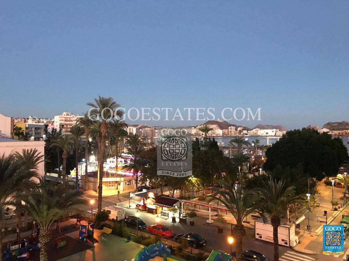 Appartement met uitzicht op de haven van Águilas Murcia