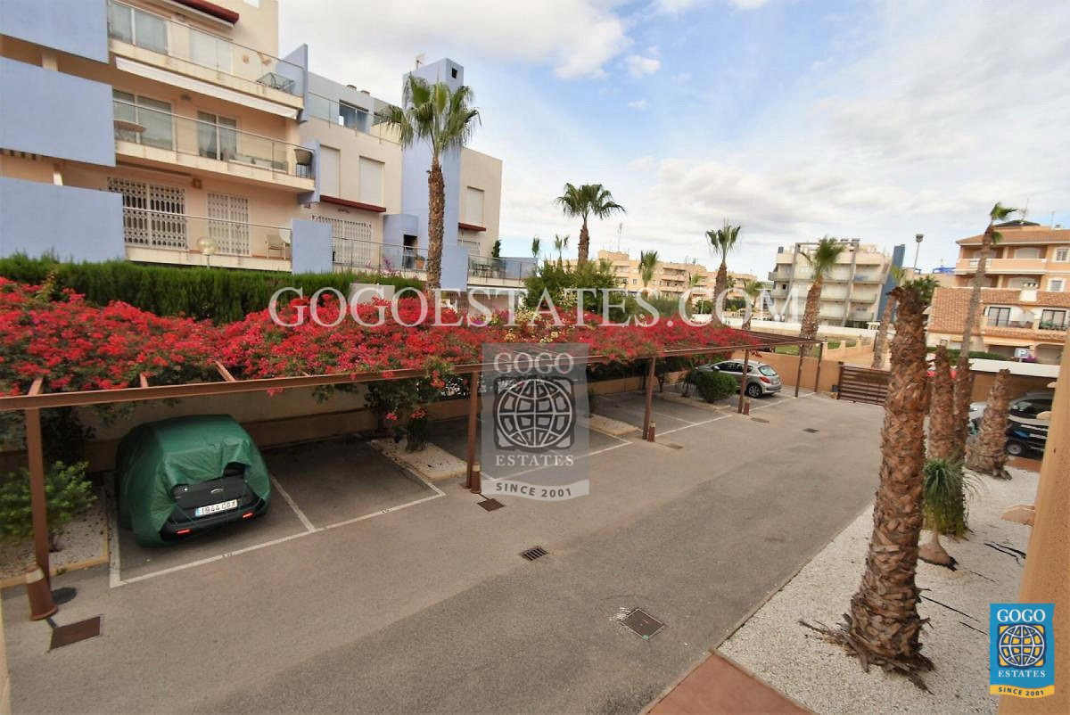 Appartement te huur in Cabo Roig, Orihuela Costa.