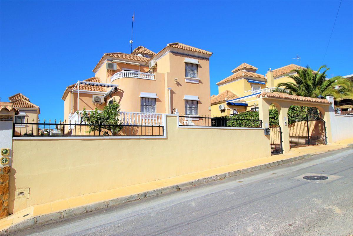 Vrijstaande villa in San miguel de salinas - Bestaande bouw