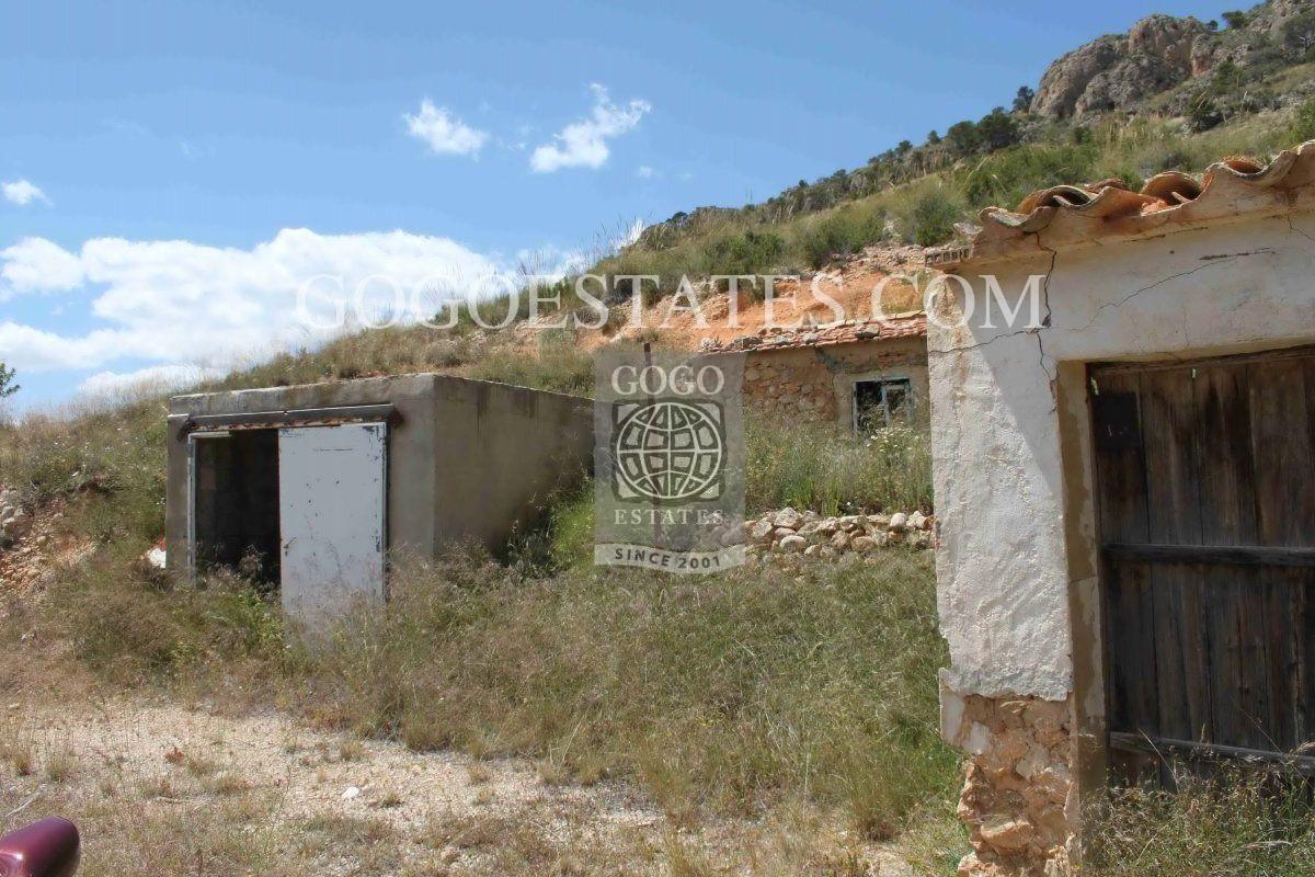 Grondstuk in Jumilla - Bestaande bouw