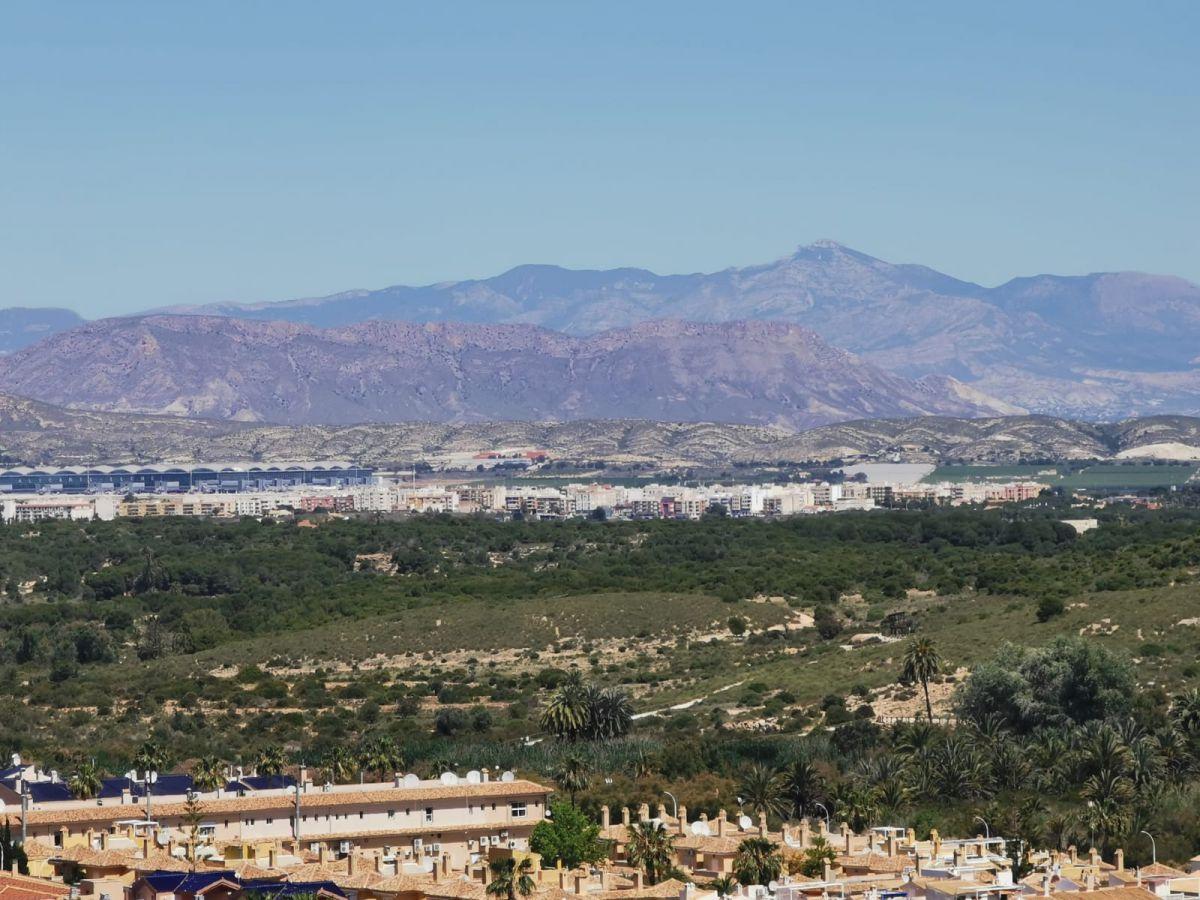 Chalet independiente en Gran Alacant - Segundamano