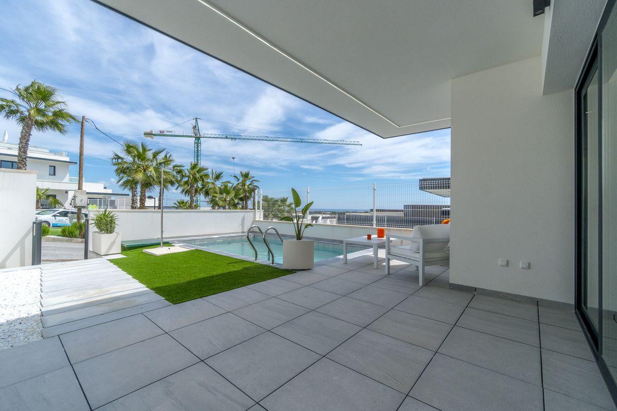Vrijstaande villa in San miguel de salinas - Nieuwbouw
