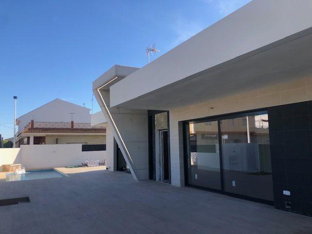 Vrijstaande villa in San Pedro Del Pinatar - Nieuwbouw