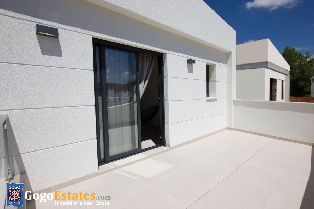 Vrijstaande villa in Almoradi - Nieuwbouw