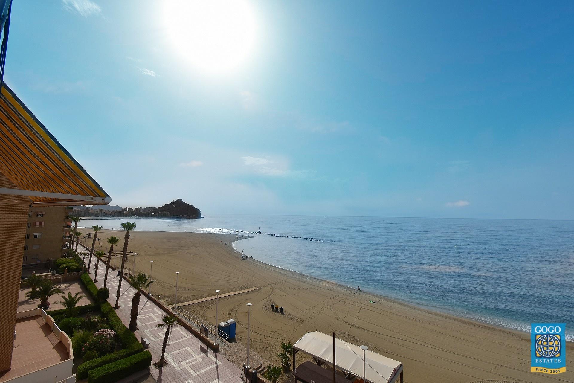 Appartement aan de boulevard van Aguilas met zeezicht