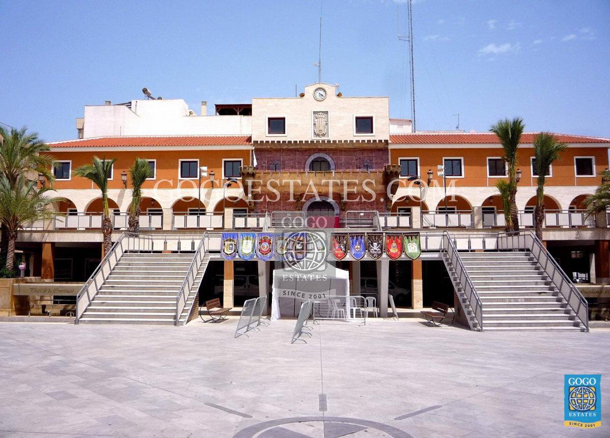 Showhuis in Benijofar te koop met alle extra's