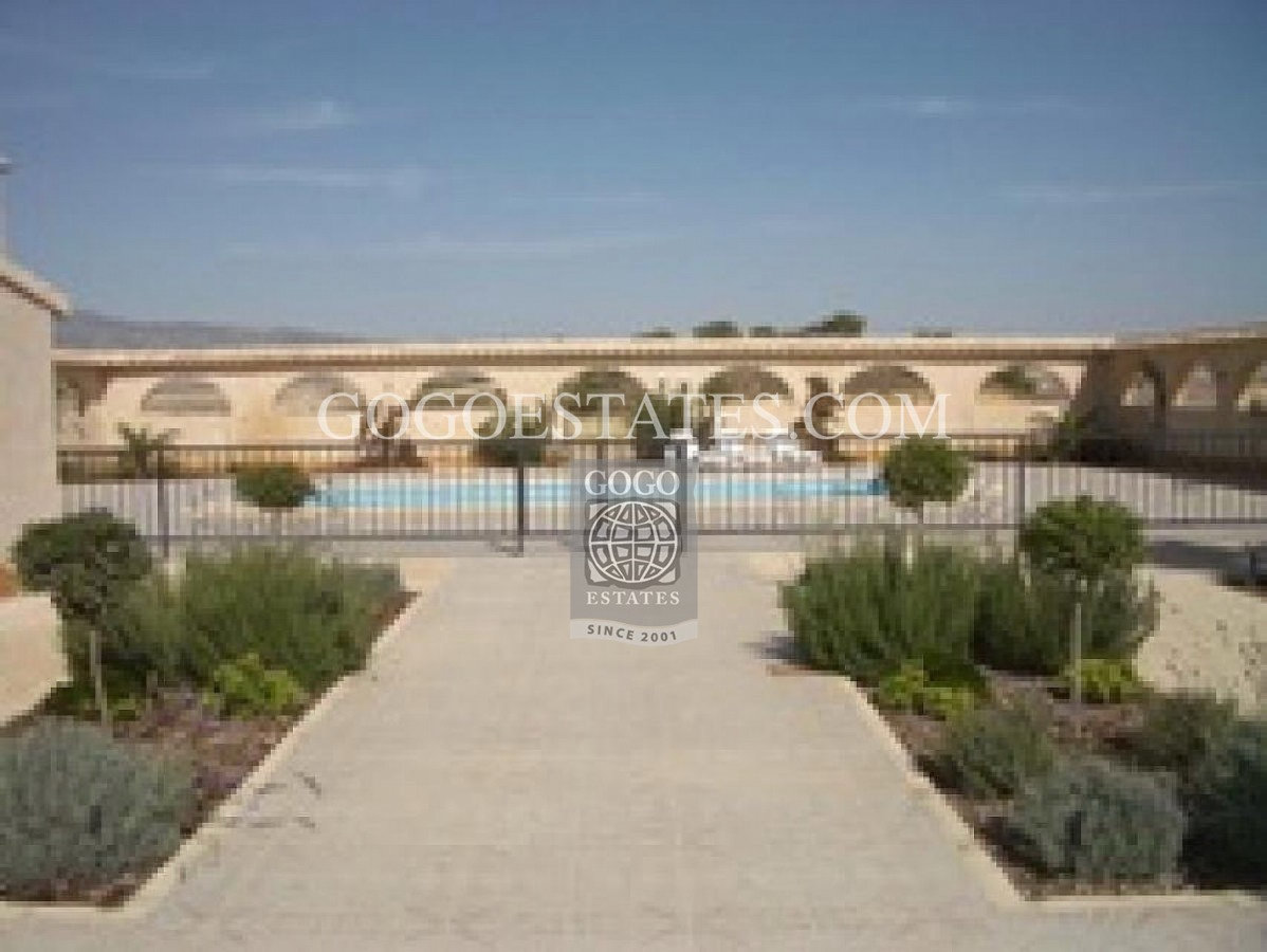 Vrijstaande villa in Pinoso - Bestaande bouw