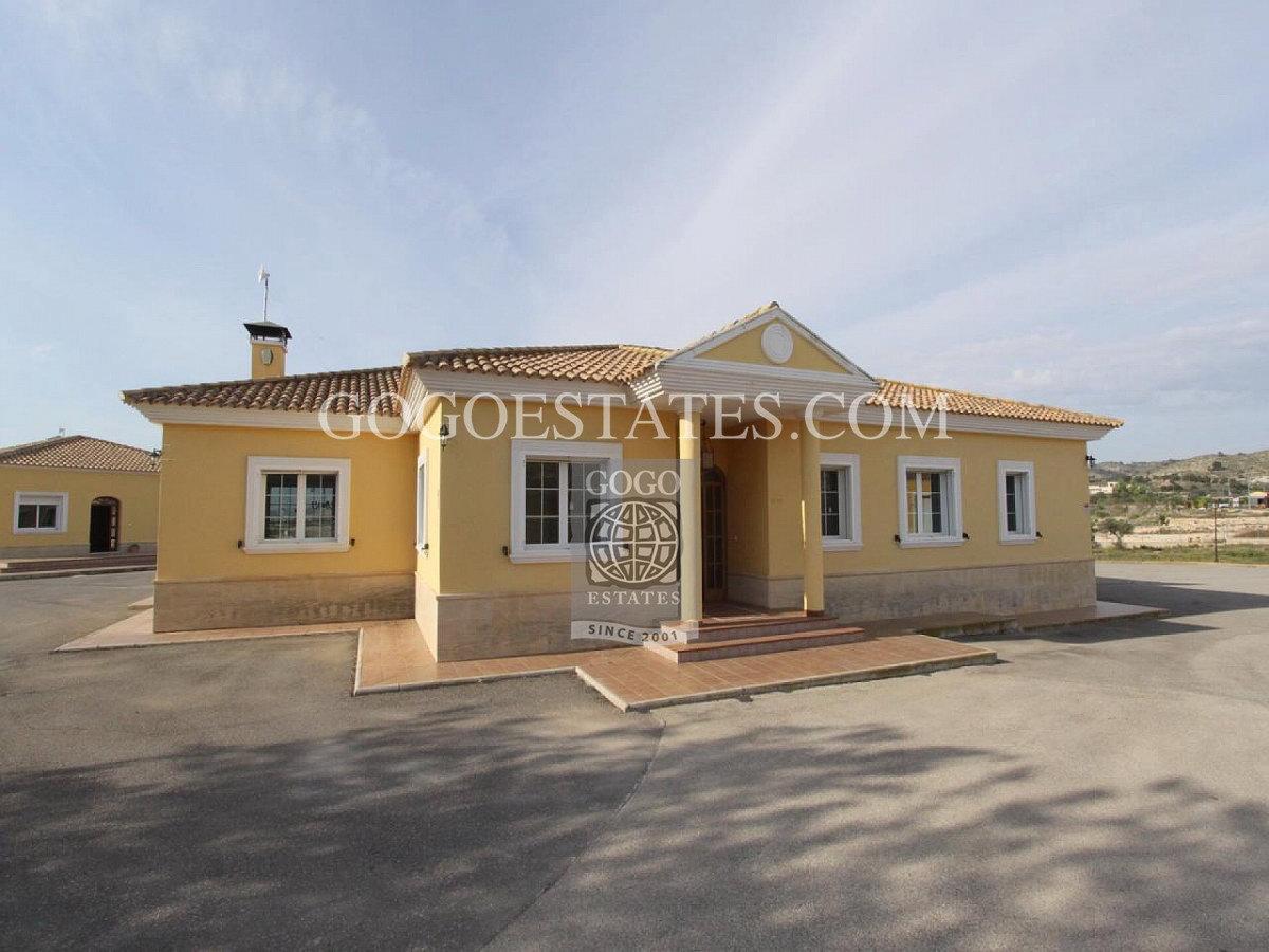 Vrijstaande villa in Monóvar/Monòver - Bestaande bouw