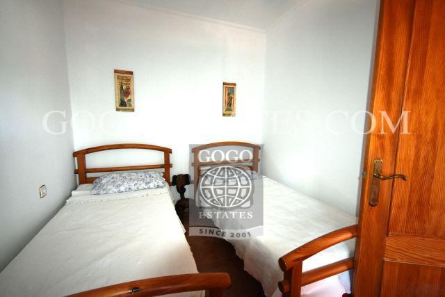 Onlangs gerenoveerde gezinswoning met drie slaapkamers