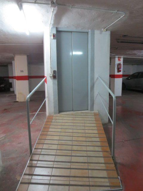 Garaje rampa ascensor