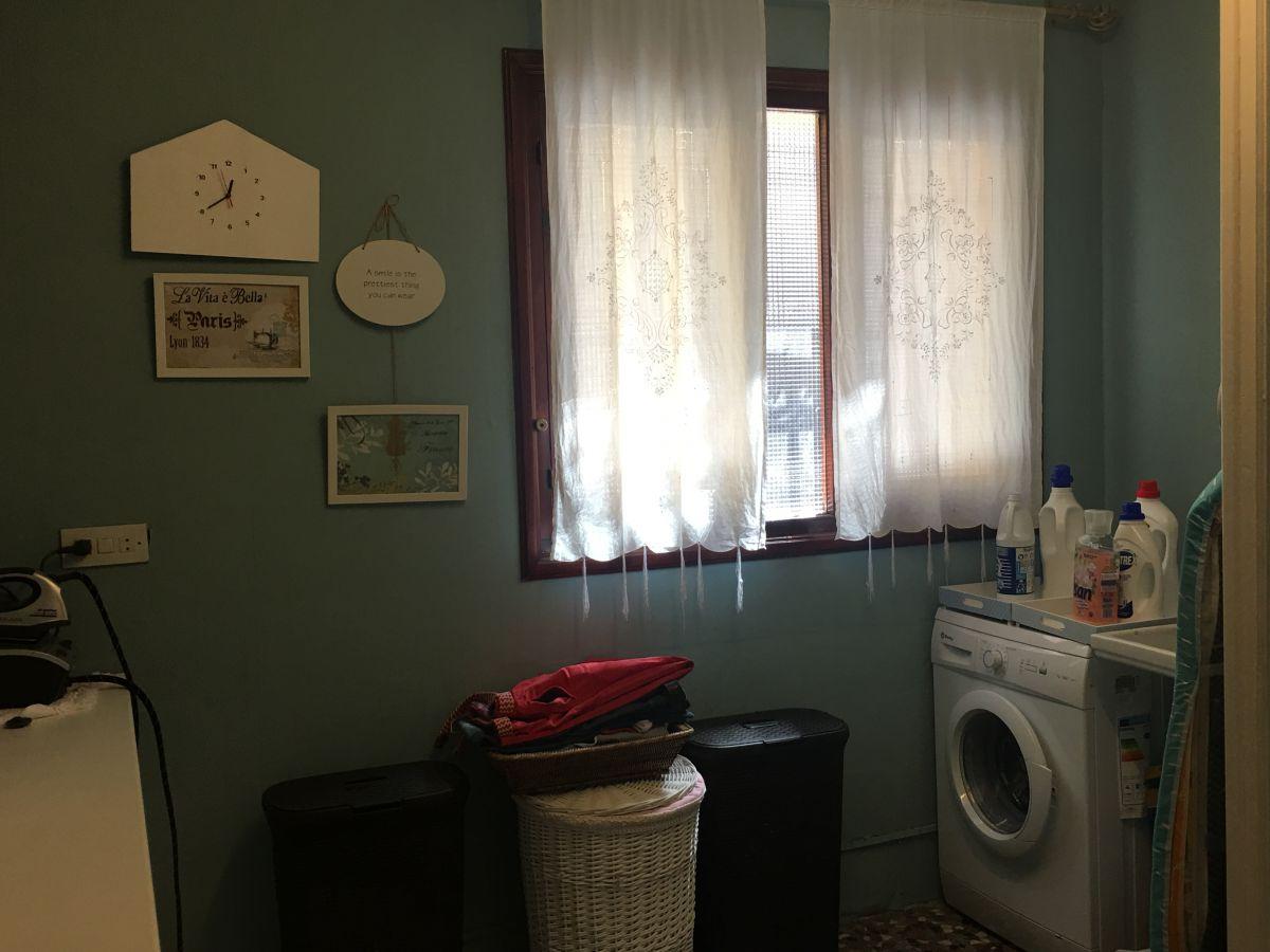 Cuarto de lavadora y plan