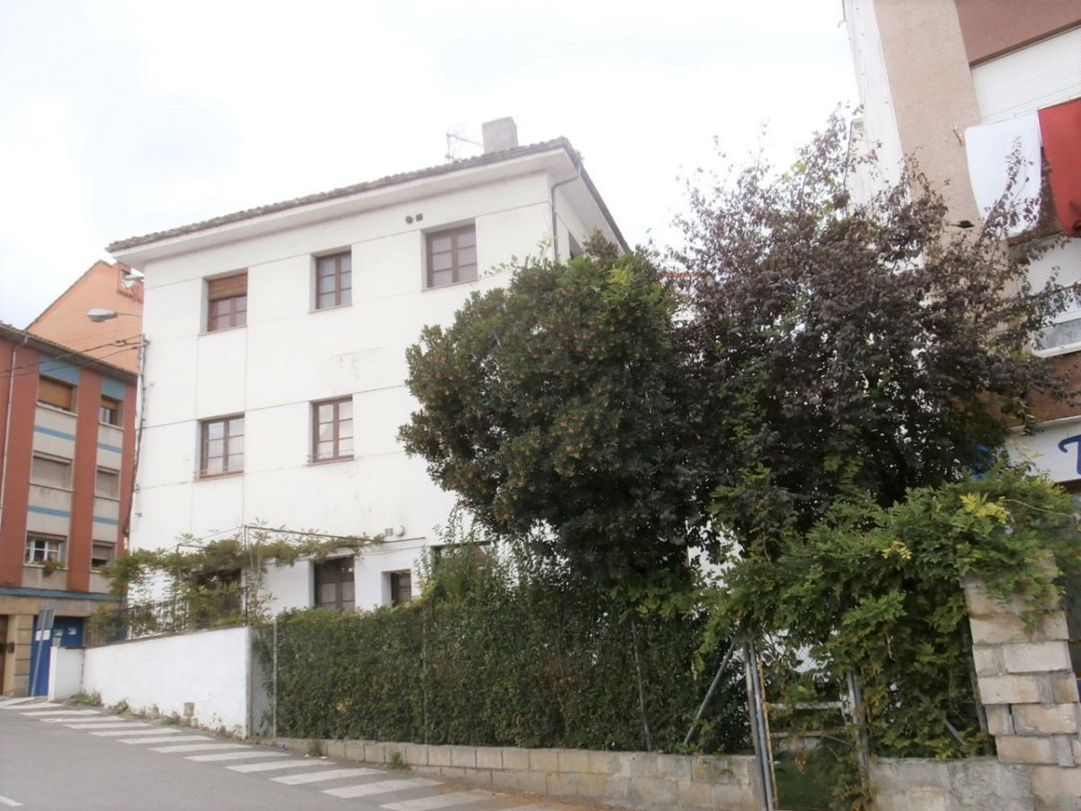 Edificio en venta en Grad