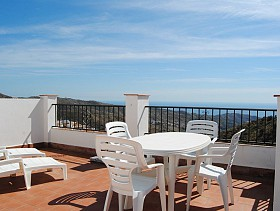 Town House For Sale in Moclinejo, Moclinejo, Spain