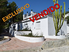 Country Houses For Sale in Vinuela, Vinuela, Spain