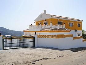 Villa For Sale in Arenas, Arenas,Spain