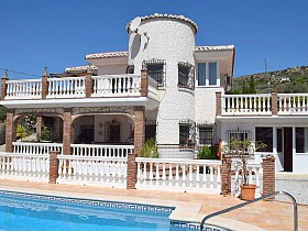 Country Houses For Sale in Alcaucin, Alcaucin, Spain